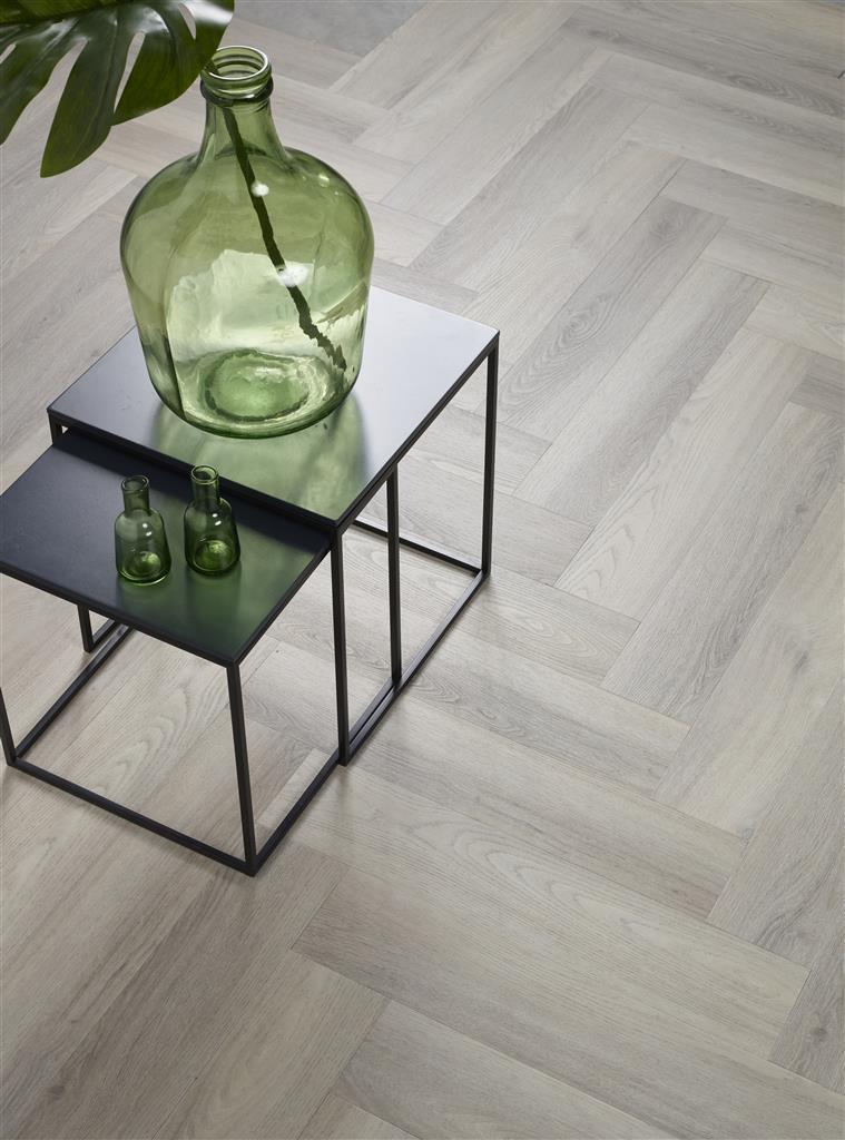 Ambiant spigato visgraat grey 3505 pvc vloer for Klassiek modern interieur